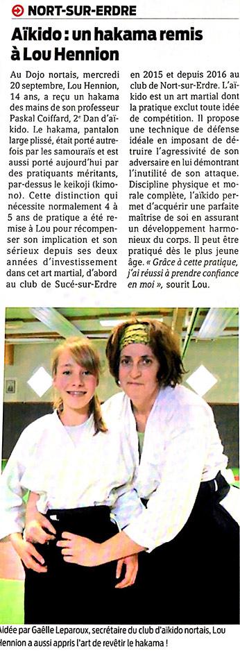 Remise du hakama de Lou Hennion à l'occasion de son 4ème Kyu, club d'aïkido de Nort-sur-Erdre.